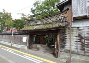 歴史が残る城下町・上越高田で建物探訪