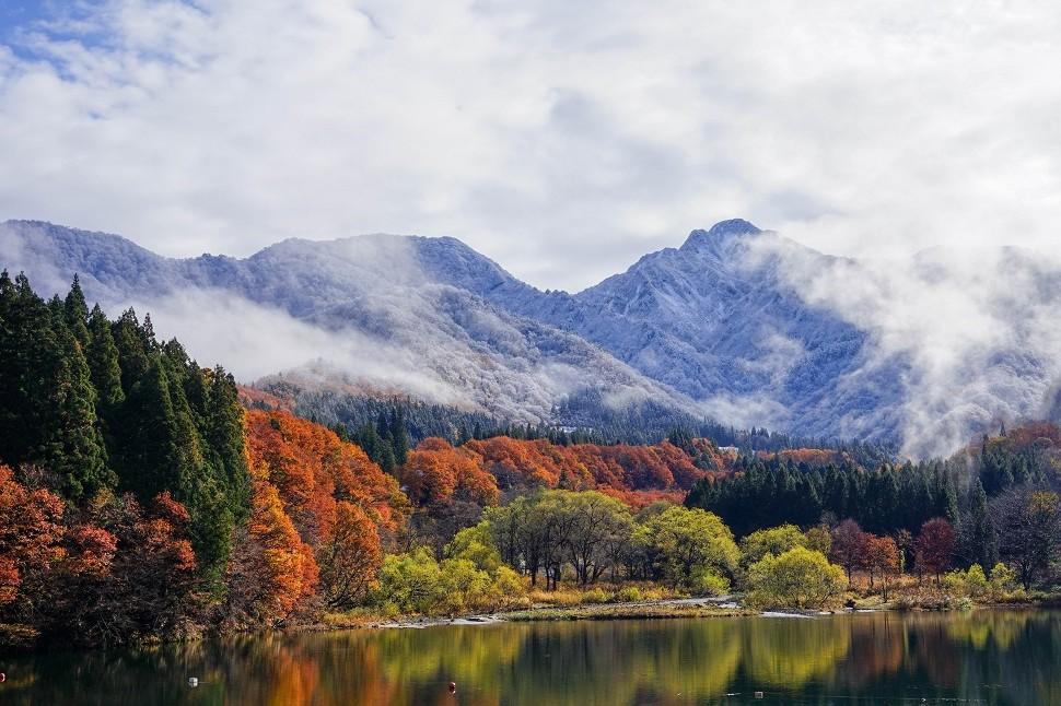 雪のイメージしかなかった湯沢の晩秋は、予想以上にカラフル♪