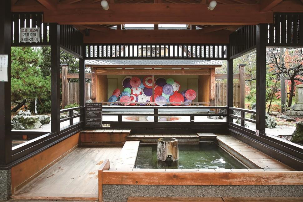 新潟が誇る温泉街・月岡の新名所と極上のお湯、親子で楽しい体験も♪